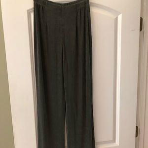 Chico's Travelers olive green knit pants